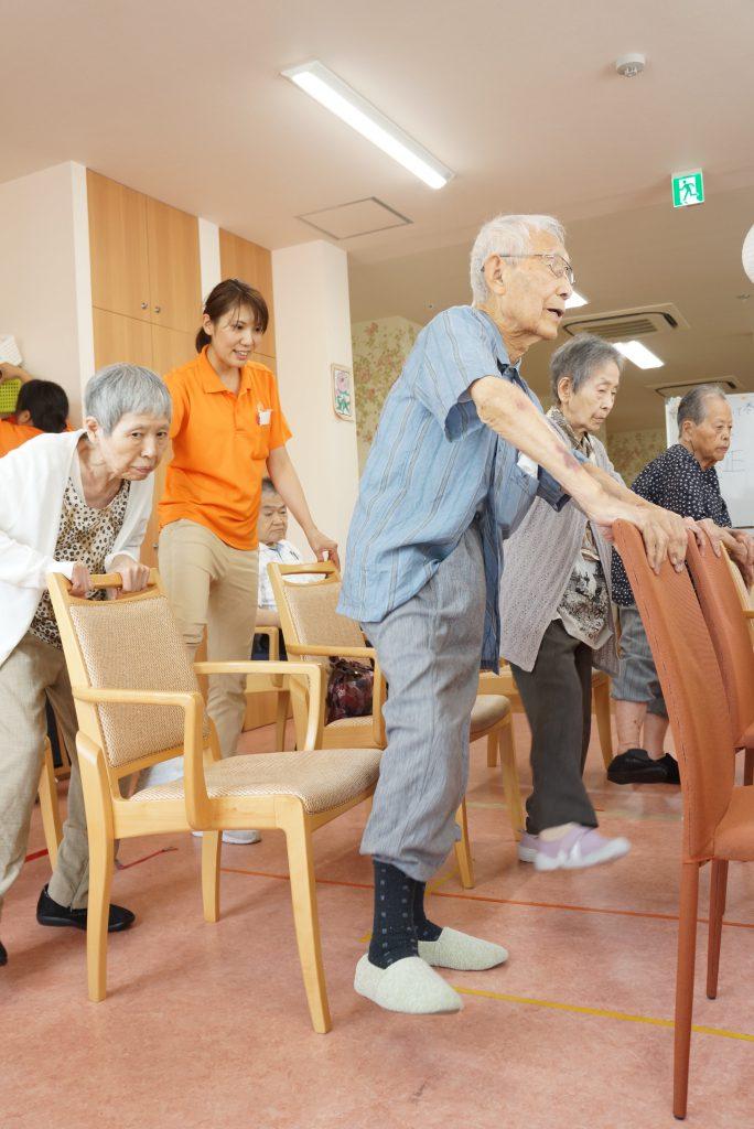 2班に分かれ、毎日リハビリ体操をやっています。